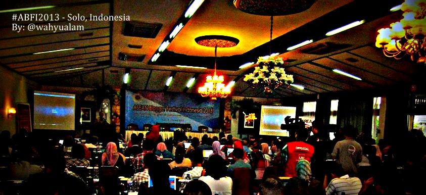 Kemeriahan saat acara di hotel Kesuma Sahid