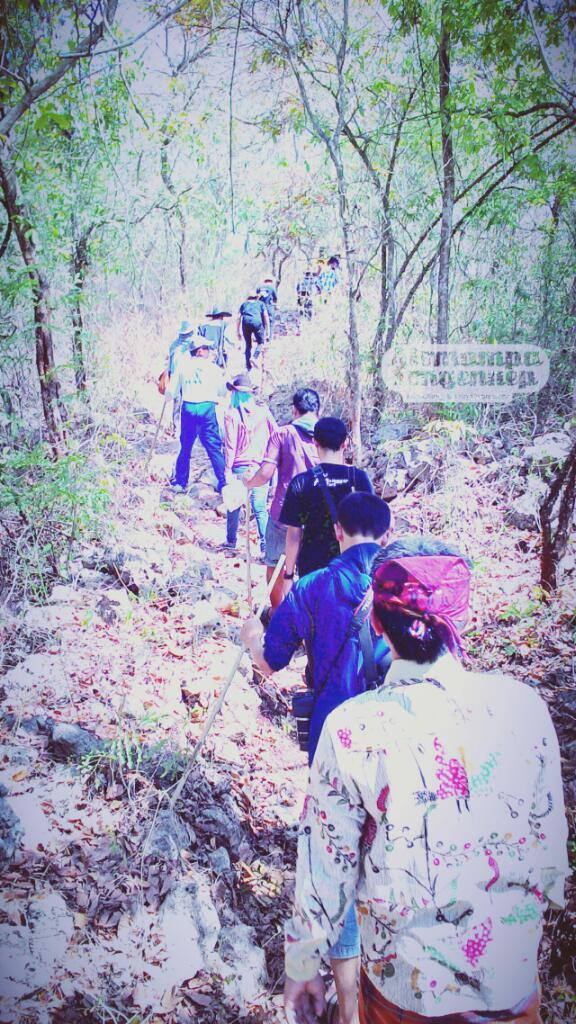 trekking di desa semaan