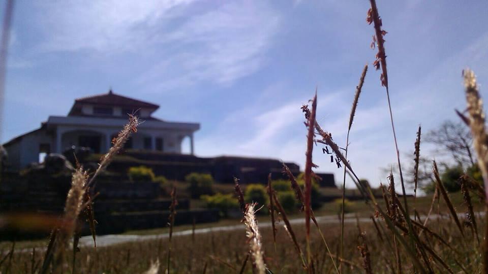 situs giri kedaton dari depan (timur)