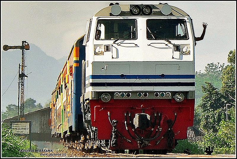Kereta Tawang Alun - Sumber: Wikipedia