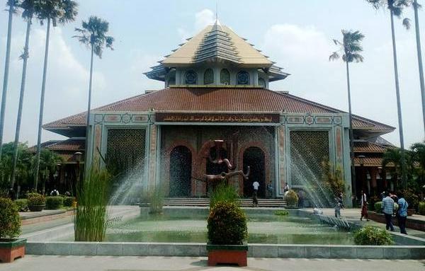 masjid ugm