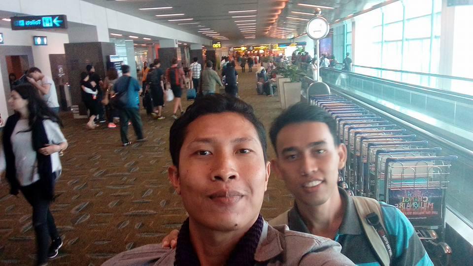 selfie wahyualam @ Changi